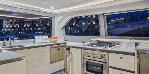 Moorings 5000 kitchen