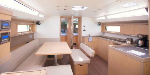 Moorings 48.4 interior