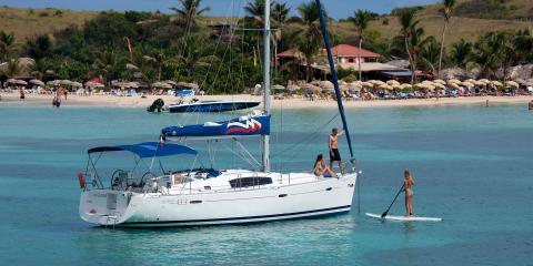 sailing monohull in St. Martin